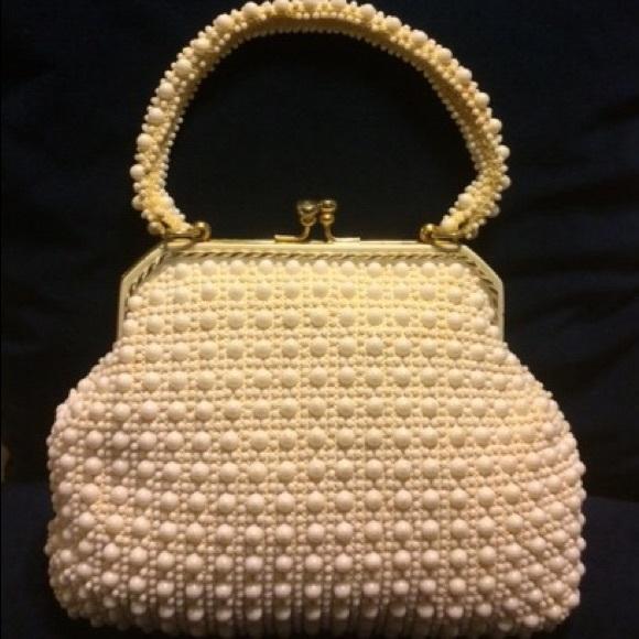 Vintage Handbags - Vintage Faux Pearl Bag